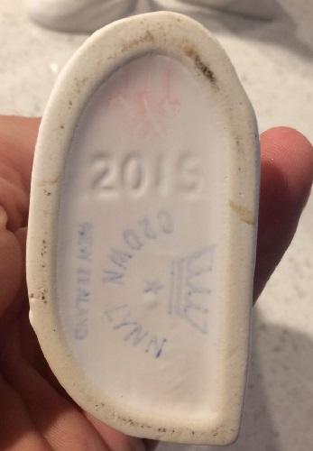 Bud vase number 2015 2015_i13