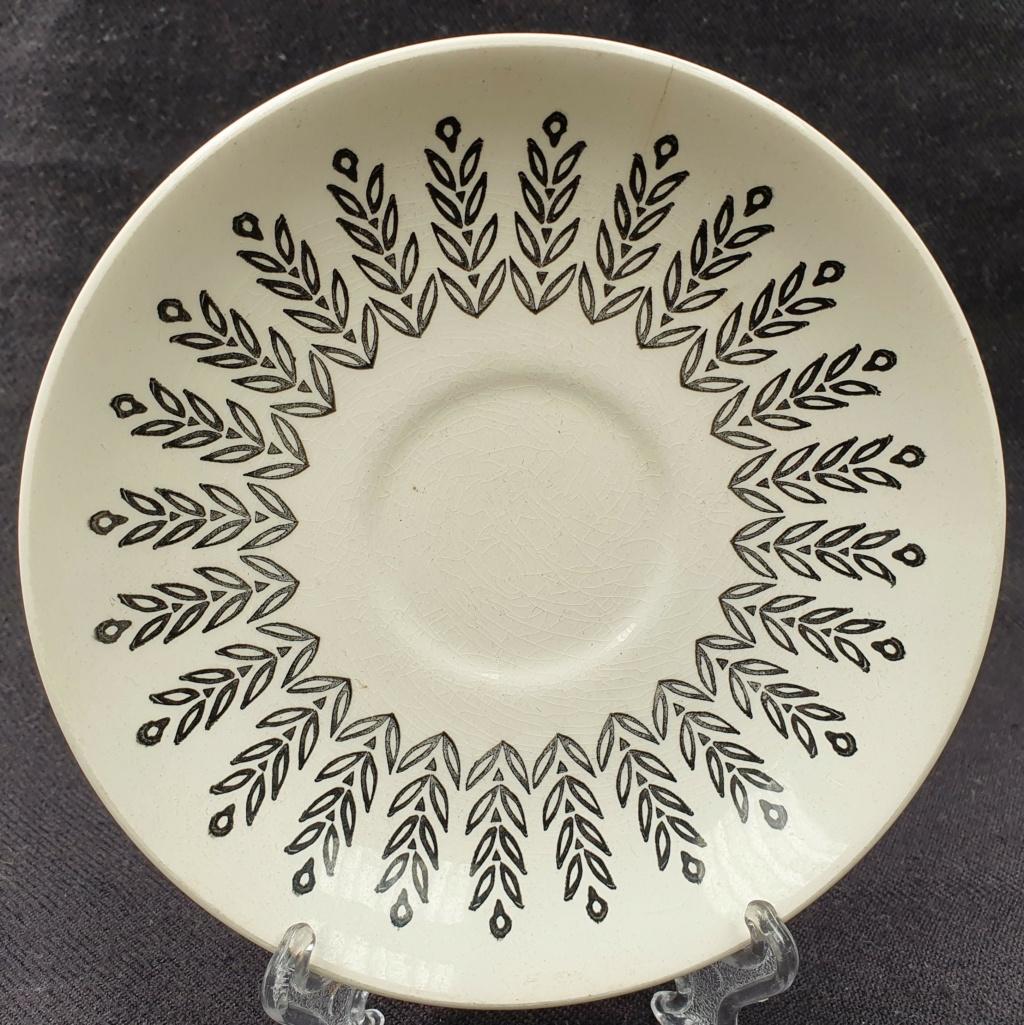 Kelston Potteries Black Leaf Design No Namer 20201110