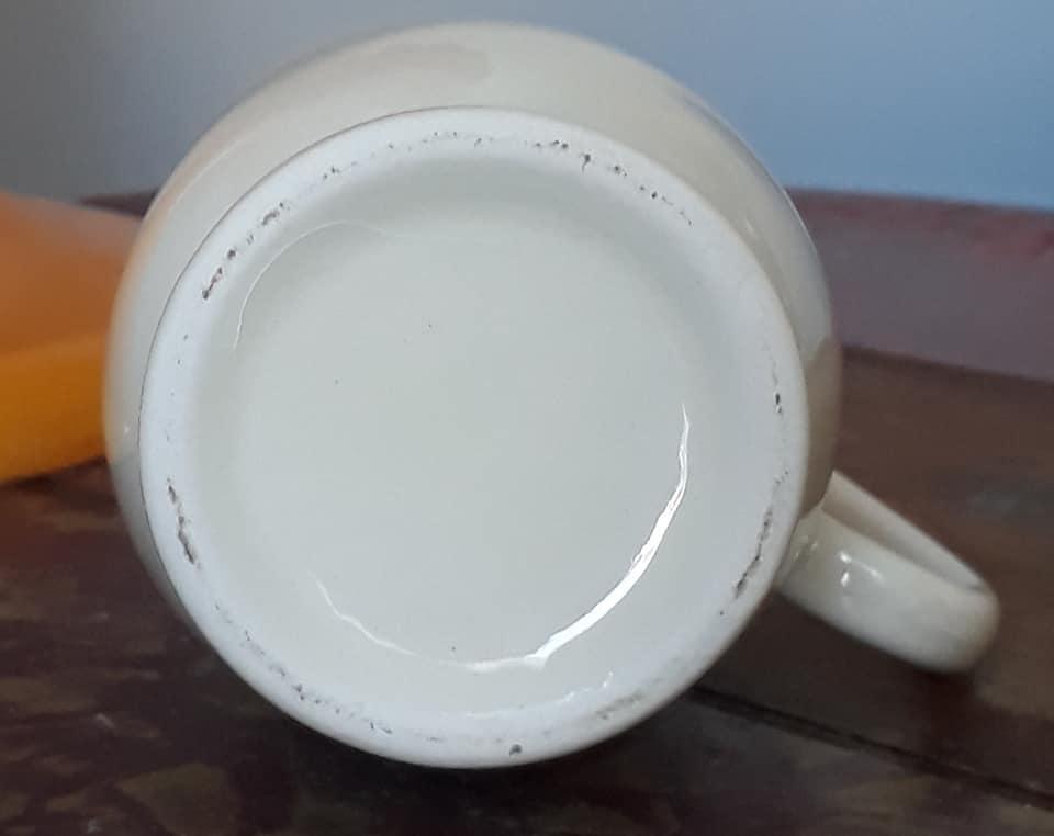 Titian Jug Vase 208_ba10