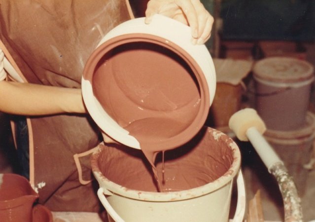Stewart Pottery production photos 7_glaz11