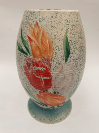 Shape 9 vase decorated with tulips by Harwyn 9_harw10