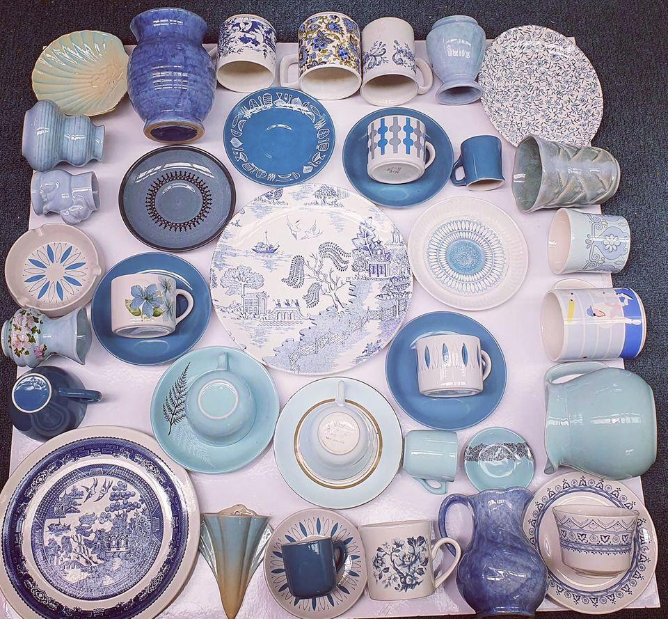 Crown Lynn in Blue Blue10