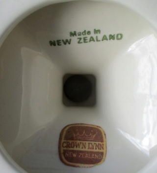 2054 Candlestick with Crown Lynn sticker Cl-can10