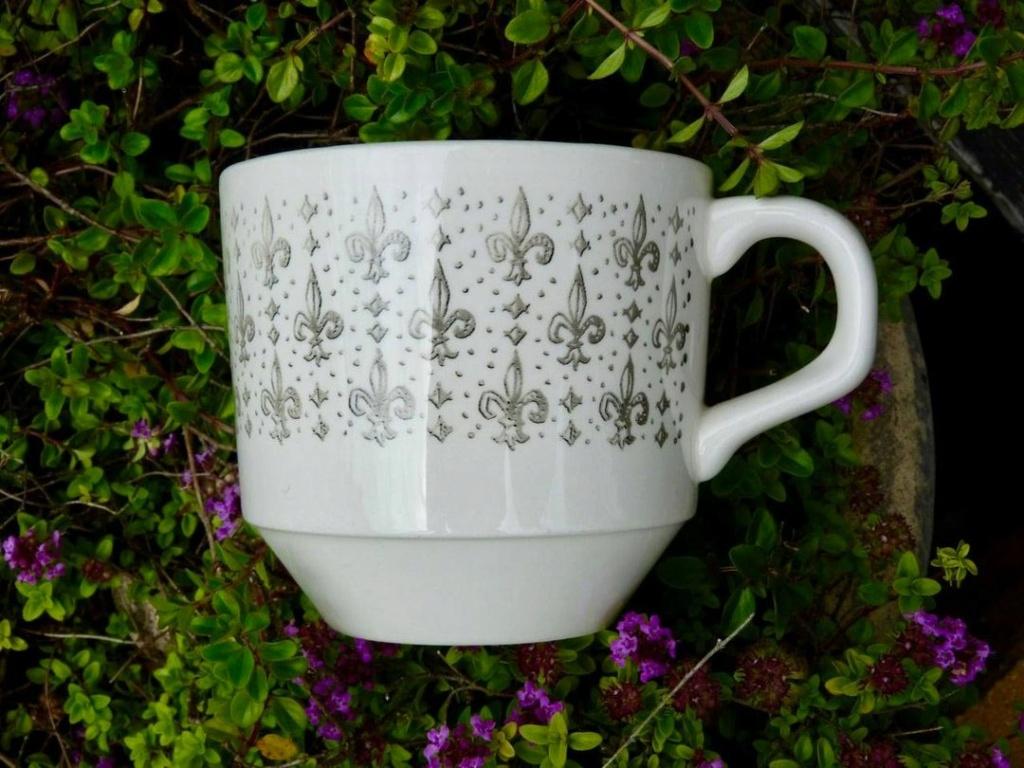Kelston Fleur de Lis pattern with no name Fleur_11