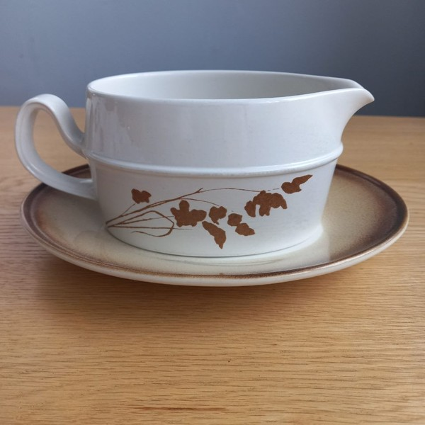 New Shape!!  8803 Classic Gravy Boat Oval Stand House_10