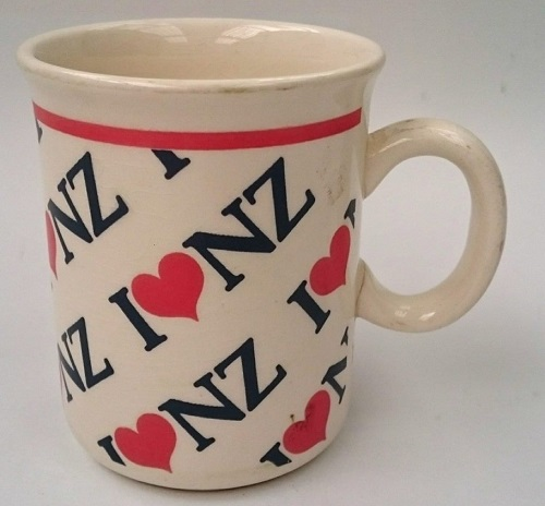 white - Show us your mugs .... Crown Lynn of course ;) - Page 10 I_love10