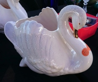 Shape 2147 Gold Beaked Swan was not made by Crown Lynn Large_10
