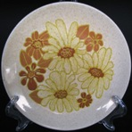 Very retro yellow and brown flowers ~ Is Melrose d561 No_nam11