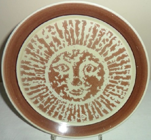 No name Sun Face pattern in brown and black designed by Peter Gibbs No_nam13