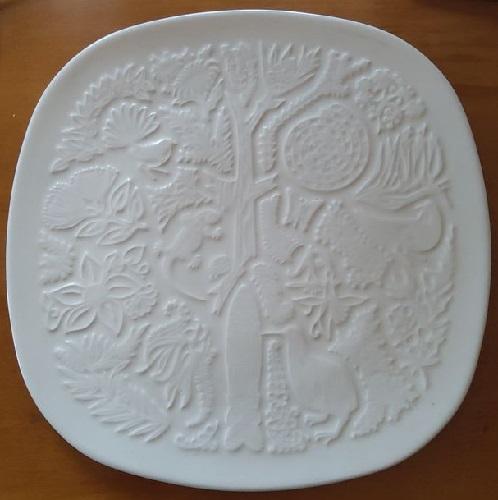 Studio Ceramics Flora and Fauna Plaque Studio19