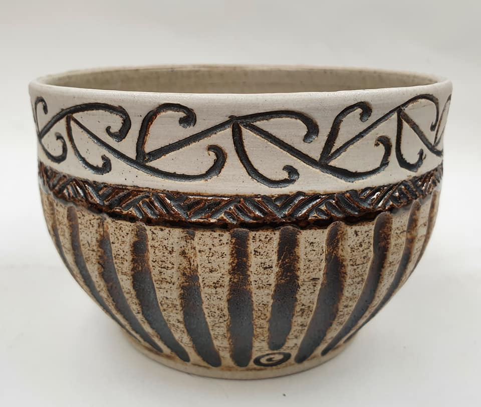 Te Maori Bowl by Louise Pickford and Noel Watson Te_mao10