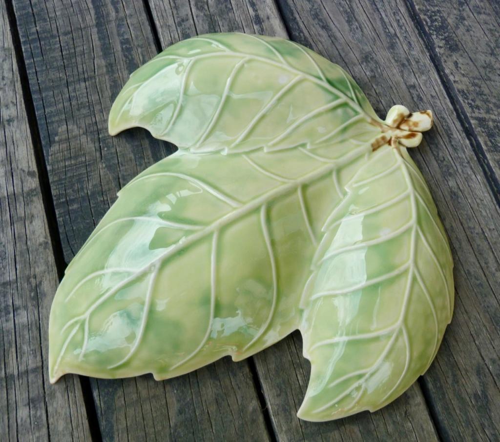 Temuka Leaf Dish from the Lovatt era Temuka25