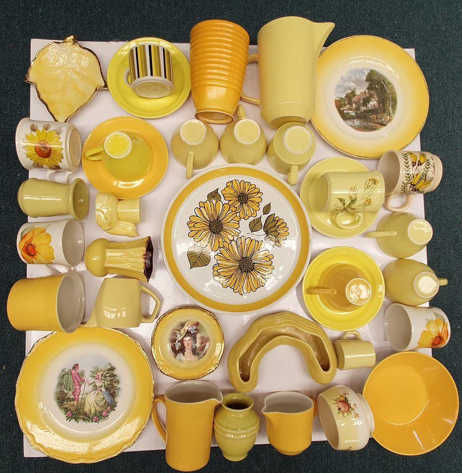 Crown Lynn in yellow Yellow10