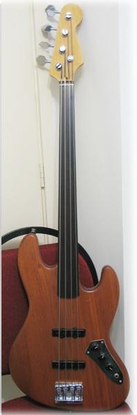 Jazz Bass Clube. - Página 2 Fretle10