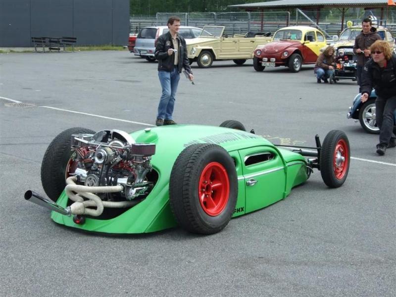 slammmmmmmed VW bug and heres a 454 morotcycle Bug10
