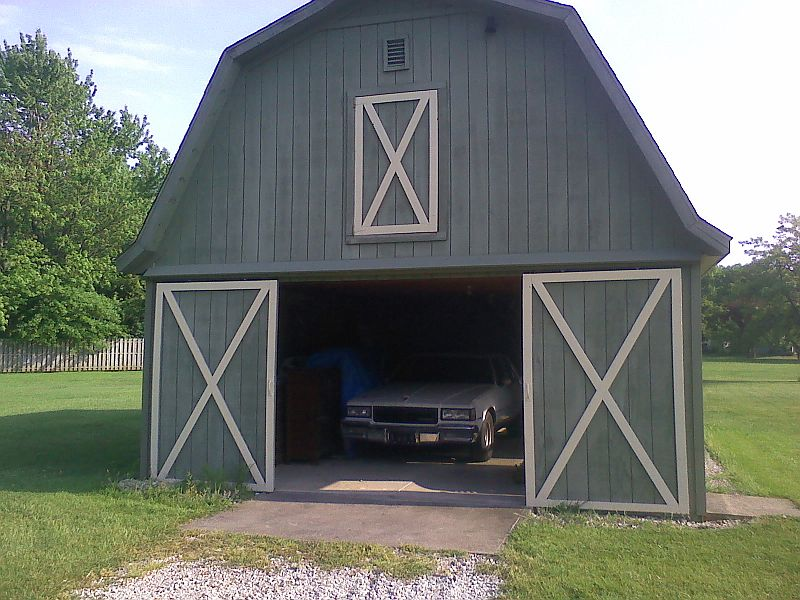 our new house with a soon to be parts haven.... Cap_5-12