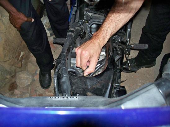 Rencontre mécanique avec Mox le 5 et 26 Aout 2011 !!! 100_2713