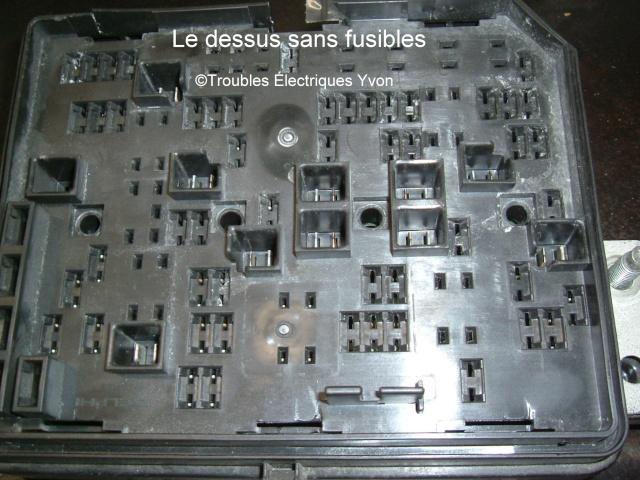 Impalla 2007, boîte fusibles démonté Dscf3012