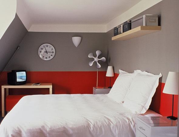 sinistre franchoise chambre 2 amis. Black Bedroom Furniture Sets. Home Design Ideas