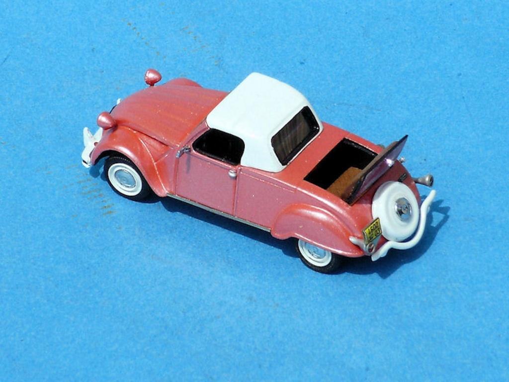 Dans les vitrines de Bourbonnais - Page 2 Cabrio10