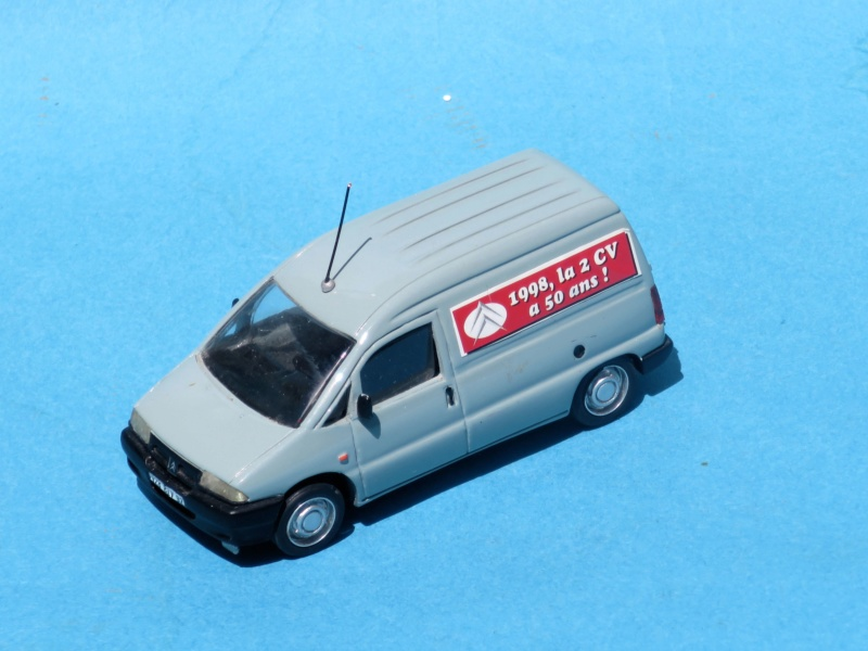 Citroën miniatures, on a fêté la 2CV Jumpy_11