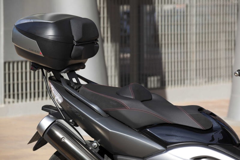 Pictures Yamaha TMax with Shad Seat Asient10