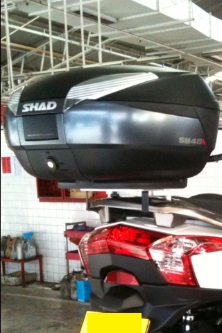 Pictures of Kymco Downtown and SHAD Motorcases Img_4213