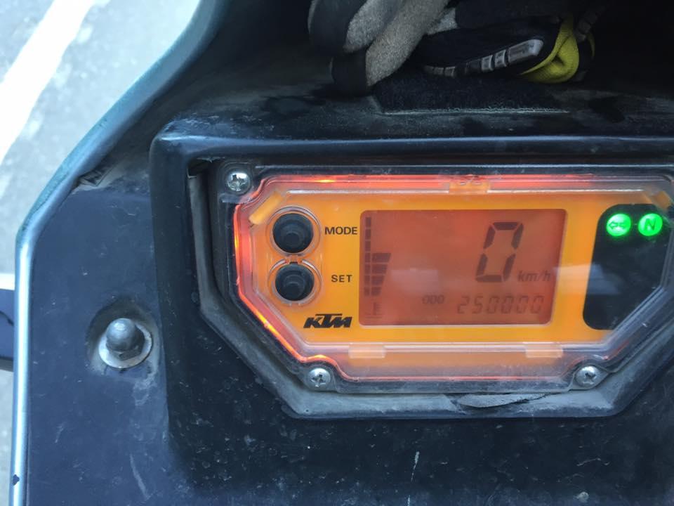 Référencement des KTM 640 LC4 Adventure sur le forum 96238110
