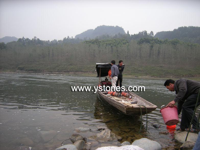 Frog stone and Wujiang River Dscn8514