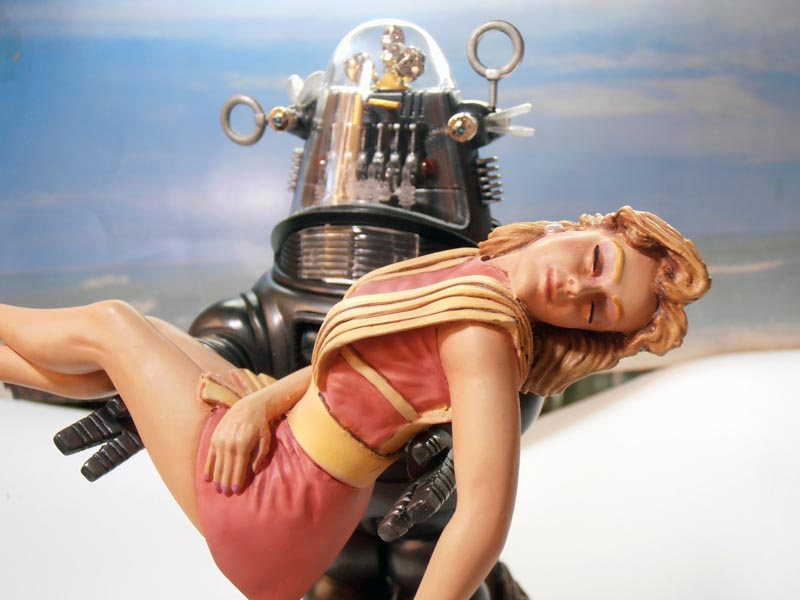 Robby the Robot from 'Forbidden Planet' Ready810