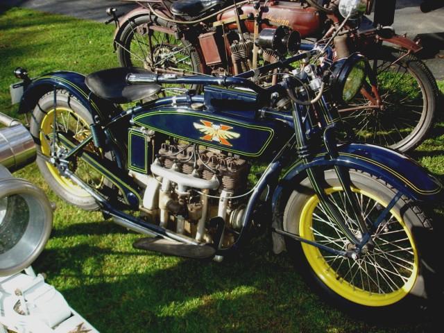 Motos d'exception et délires technologiques - Page 41 1925-h10