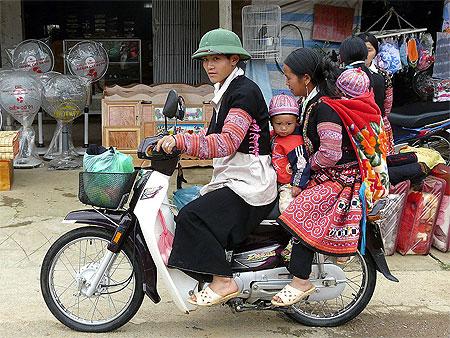 HMOOB CATHOLIC NYOB COB TSIB TEB (Hmong Catholic Vietnam) - Page 3 Pt427910