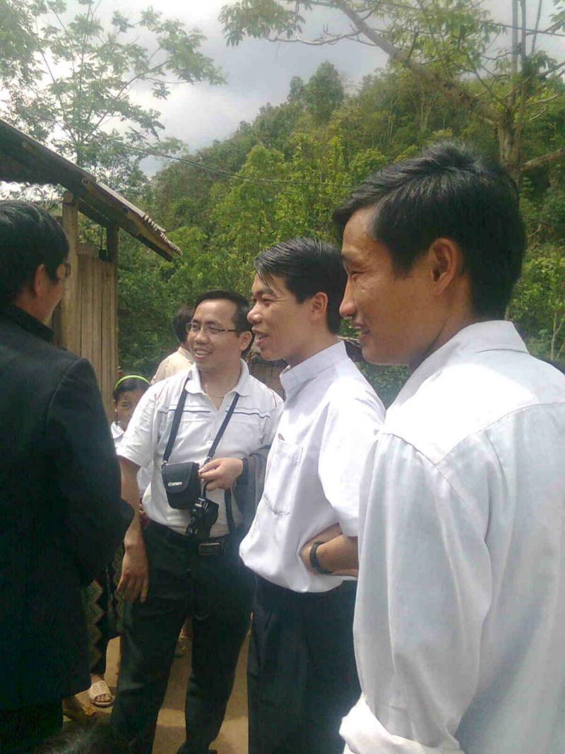 HMOOB CATHOLIC NYOB COB TSIB TEB (Hmong Catholic Vietnam) - Page 2 Tp_tus11