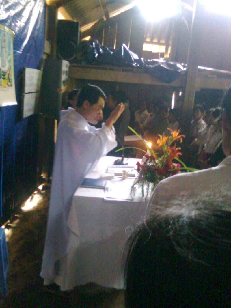 HMOOB CATHOLIC NYOB COB TSIB TEB (Hmong Catholic Vietnam) - Page 2 Ua_lub12