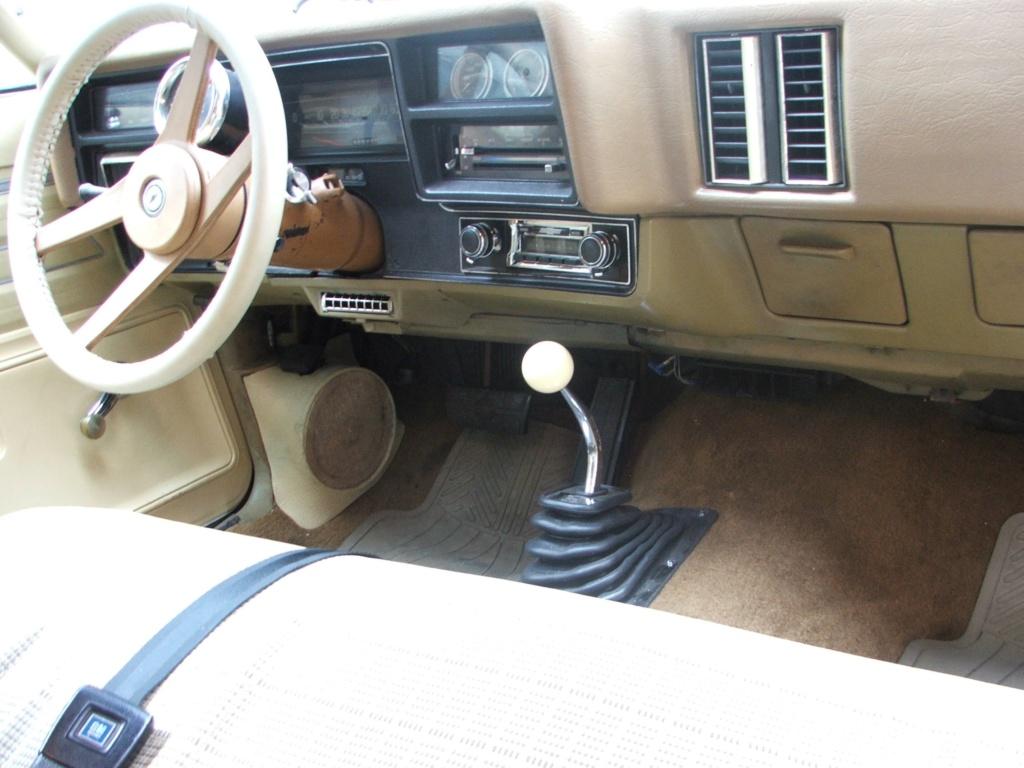 WTB 73-77 chevy Dark Buckskin OE steering wheel  Dscf4119