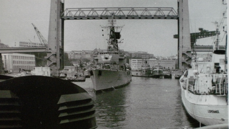 [Vie des ports] BREST Ports et rade - Volume 001 - Page 6 P9280010