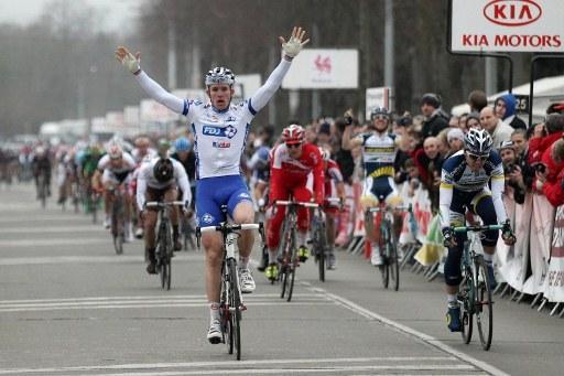LE SAMYN  --Belgique-- 29.02.2012 Dem110
