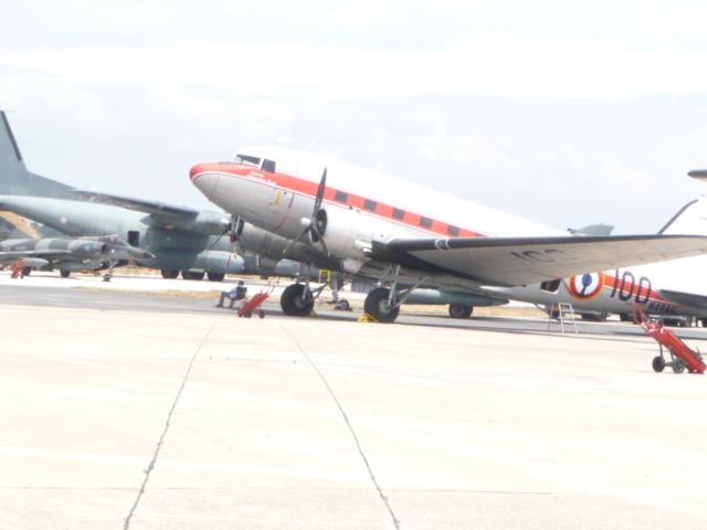 [Les anciens avions de l'aéro] Douglas C-47D Dakota Hyeres13