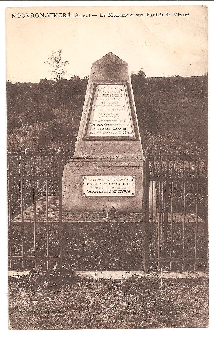 [Histoires et Histoire] Monuments aux morts originaux Français Tome 2 - Page 11 Fusill12