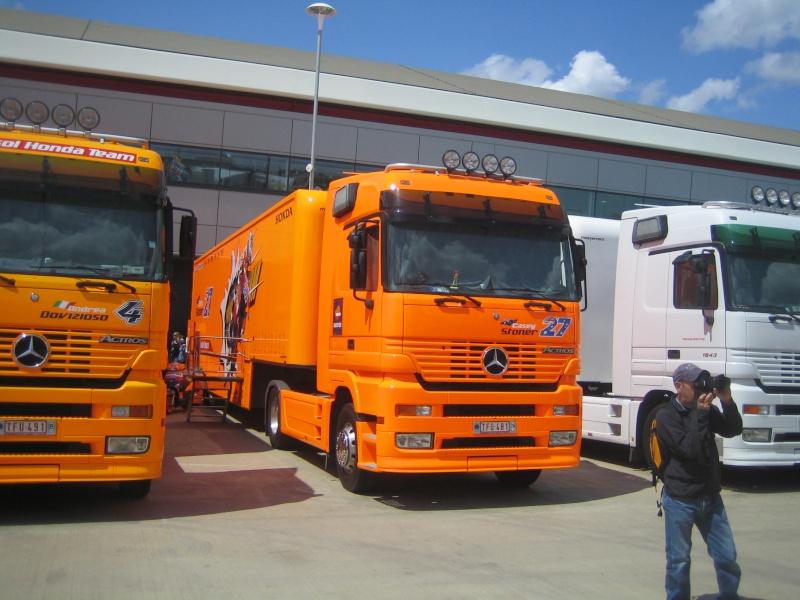 Les camions du Moto GP 03711