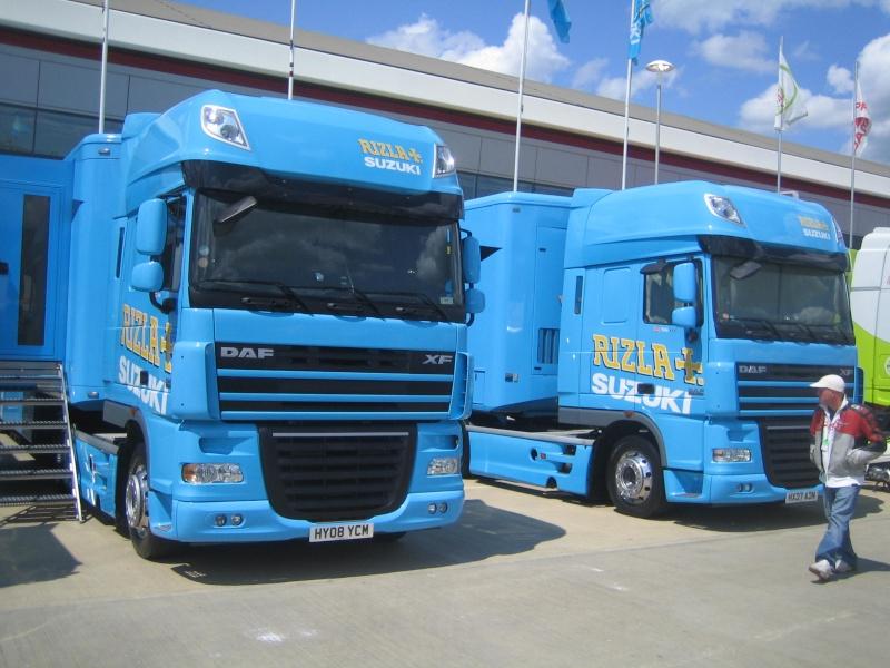 Les camions du Moto GP 04011