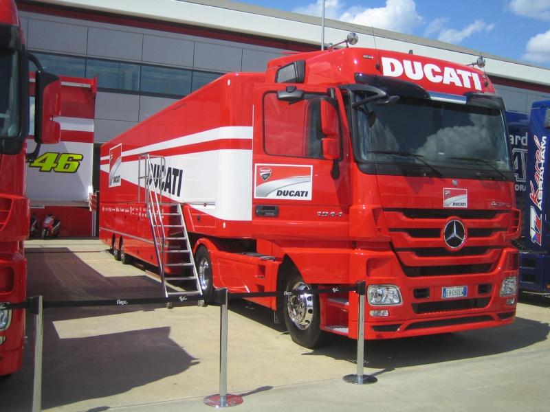 Les camions du Moto GP 04210