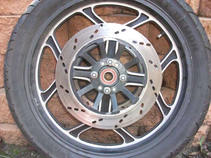 Wider Wheels & Radial Tyres on a K100 Dscf2548