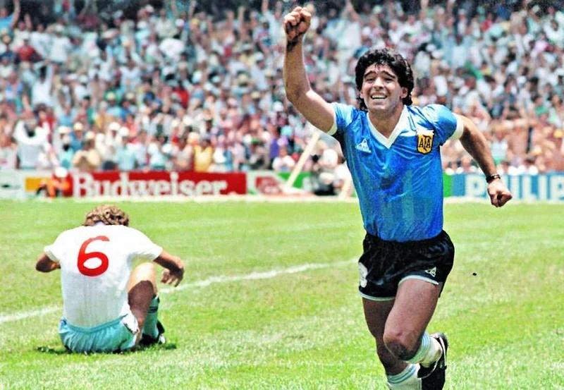 Décès de Diego Maradona - Page 2 Marado10