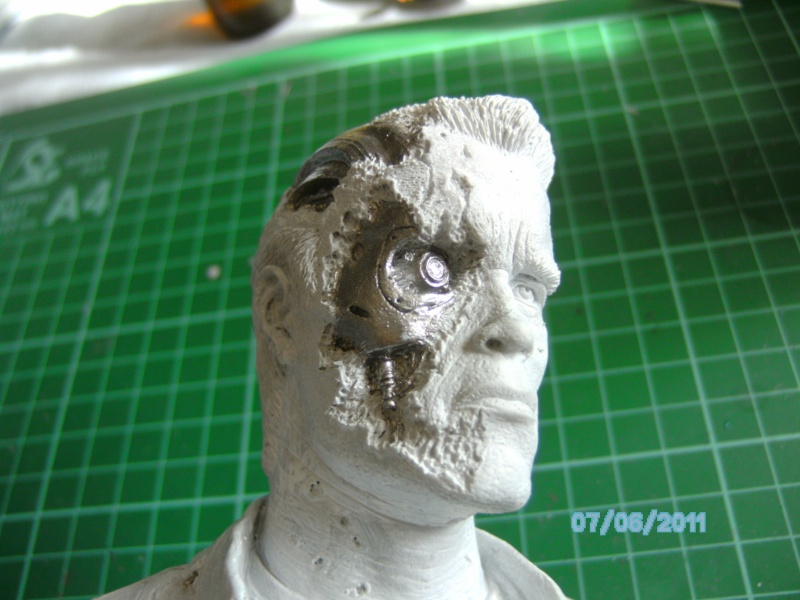 Arnie als T-800 Terminator aus Terminator-Judgement Day 1:5 Vinyl von Horizon Pict0035