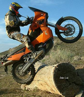 la photo du jour - Page 3 Ktm_ad10