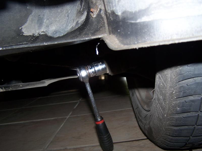 Remplacement des amortisseurs arrières BMW série 3 E46 100_4515