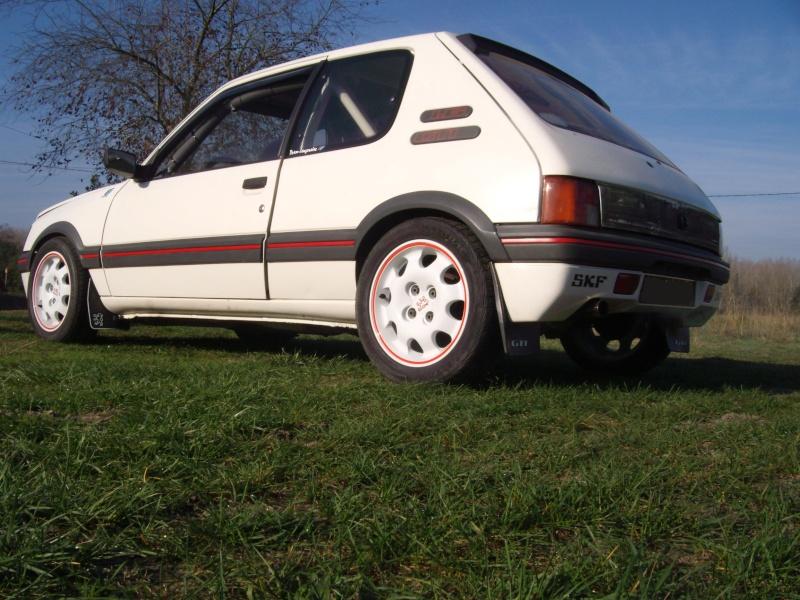 [manu47] 205 GTI 1.6L blanc meige 1987 205_gt12