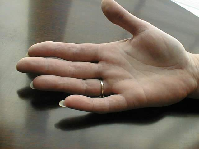 Low set finger (mercury finger) and meaning  Ring_o10