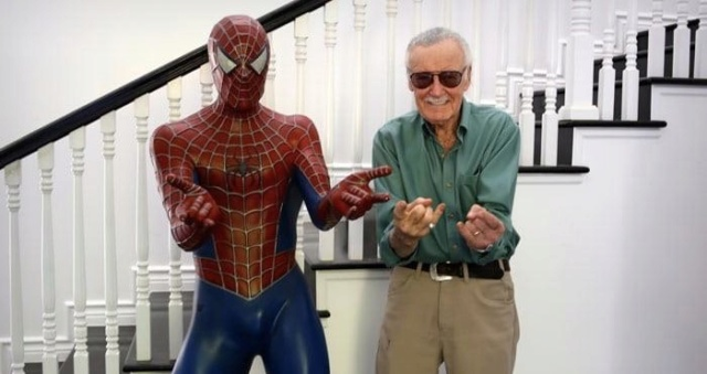 A Legend Passes: Stan Lee P1qvby10